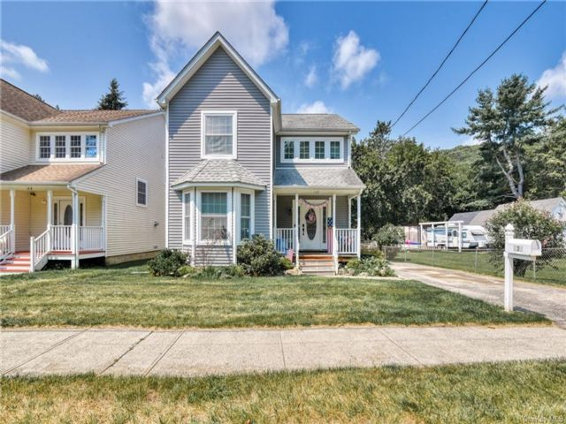 3 BR,  3.00 BTH Colonial style home in Port Jervis