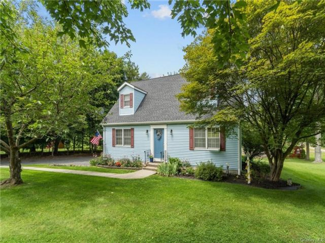 3 BR,  2.00 BTH Saltbox style home in New Windsor