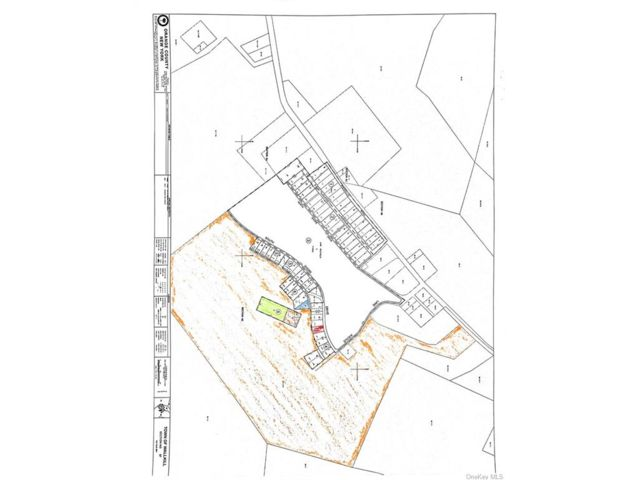 Lot <b>Size:</b>  Land style home in Wallkill