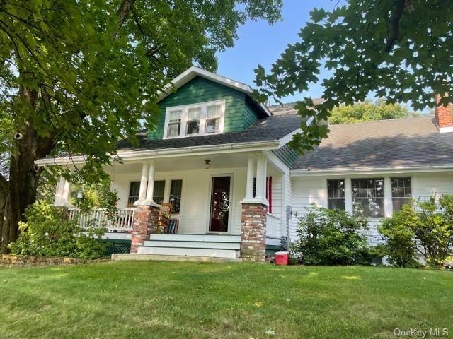 4 BR,  2.00 BTH Farmhouse style home in Newburgh