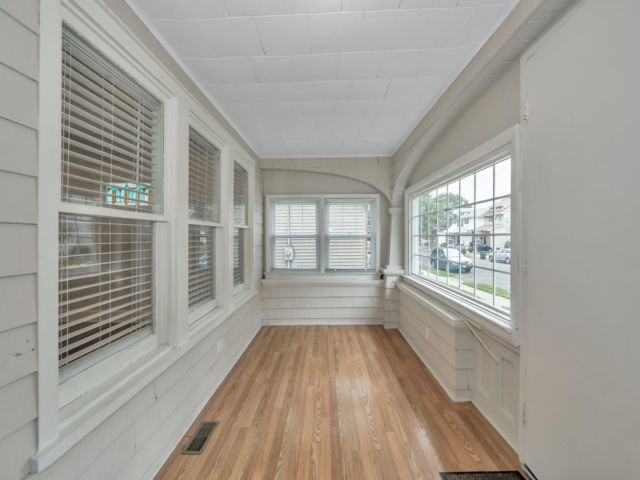 3 BR,  2.00 BTH Colonial style home in Lyndhurst