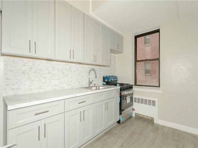 1 BR,  1.00 BTH High rise style home in Wakefield