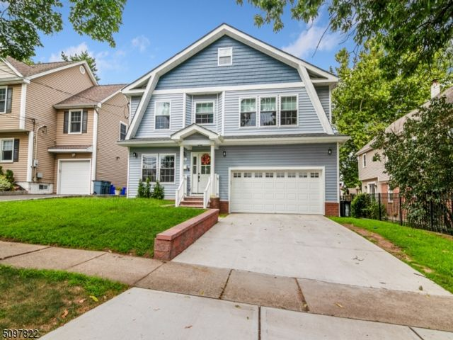 4 BR,  2.55 BTH Custom home style home in Nutley