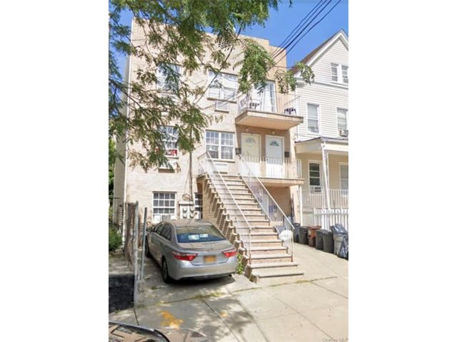 4 BR,  2.00 BTH Apartment style home in Wakefield