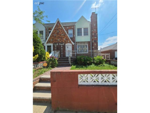 3 BR,  1.00 BTH Single family style home in Laurelton
