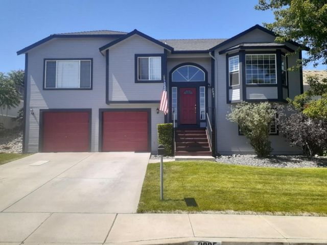 4 BR,  3.00 BTH 2 story style home in Reno