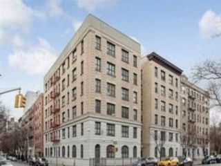 3 BR,  1.00 BTH Co-op style home in New York