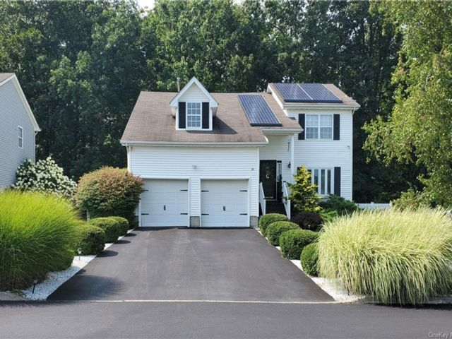 4 BR,  3.00 BTH Contemporary style home in Middletown