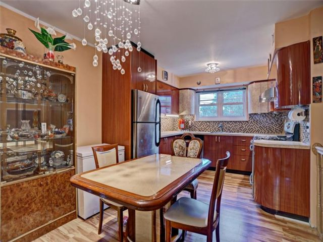 3 BR,  3.00 BTH Single family style home in Canarsie
