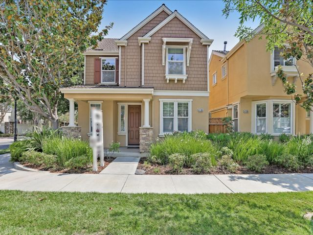 4 BR,  2.50 BTH 2 story style home in Santa Clara