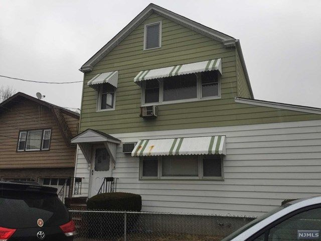 2 BR,  1.00 BTH 2 family style home in Lodi