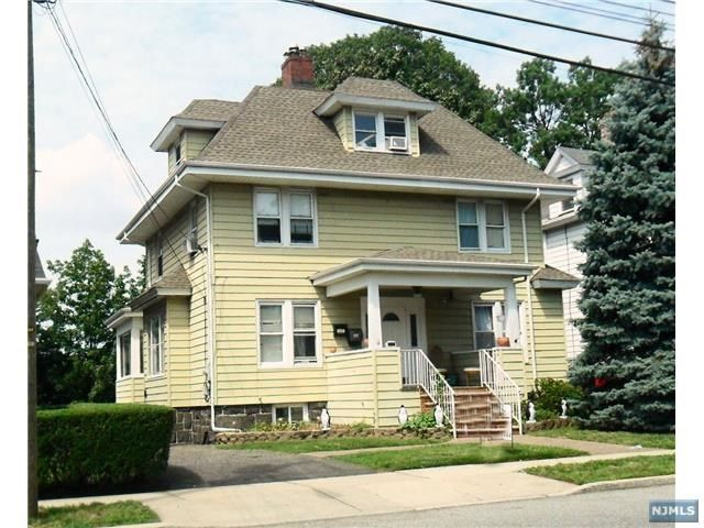 4 BR,  3.00 BTH 2 family style home in Fort Lee