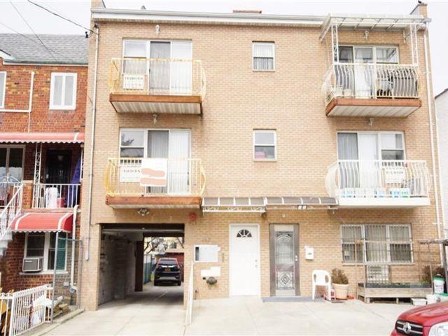3 BR,  3.00 BTH Condominium style home in Bath Beach