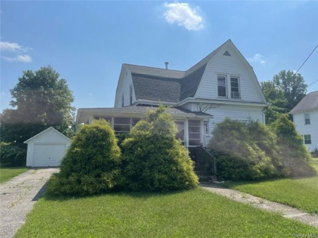 3 BR,  1.00 BTH 2 story style home in Crawford