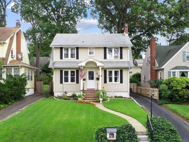 4 BR,  1.00 BTH Colonial style home in Rutherford