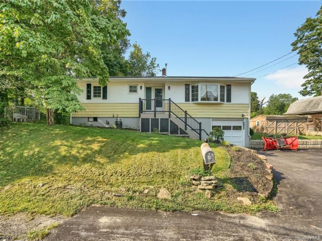 3 BR,  2.00 BTH Ranch style home in Wallkill