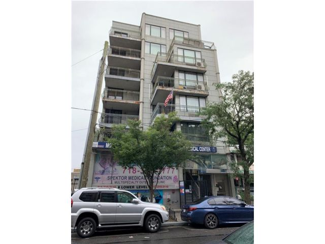 3 BR,  2.00 BTH Condominium style home in Coney Island