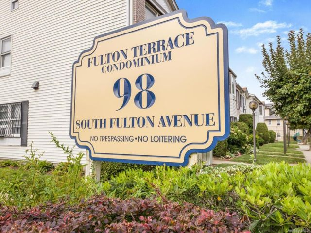 2 BR,  2.00 BTH Townhouse style home in Mount Vernon