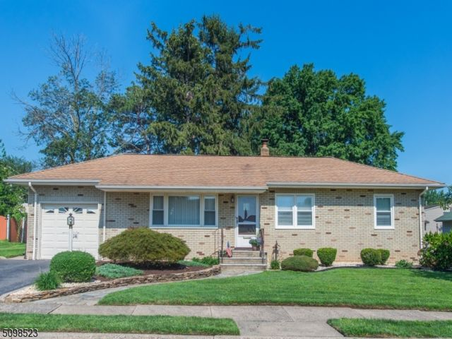 3 BR,  1.50 BTH Ranch style home in Clifton