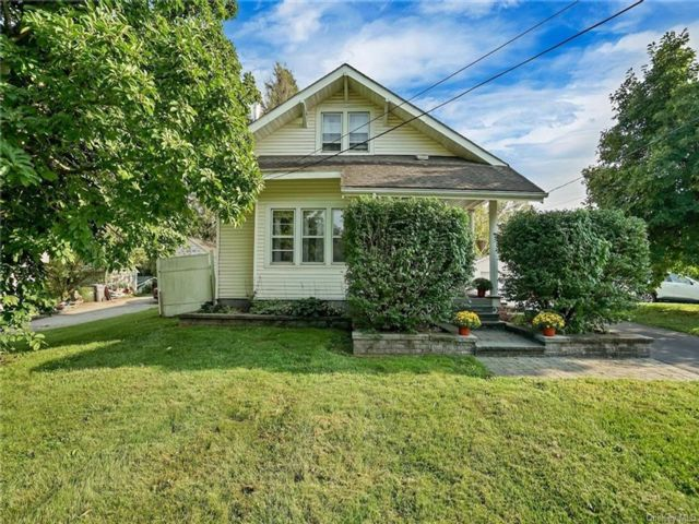 3 BR,  2.00 BTH Cape style home in Newburgh