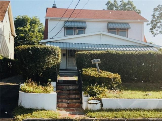 3 BR,  1.00 BTH House style home in Greenburgh