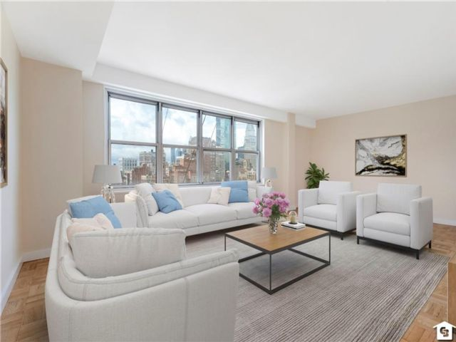 1 BR,  1.00 BTH Co-op style home in Gramercy Park