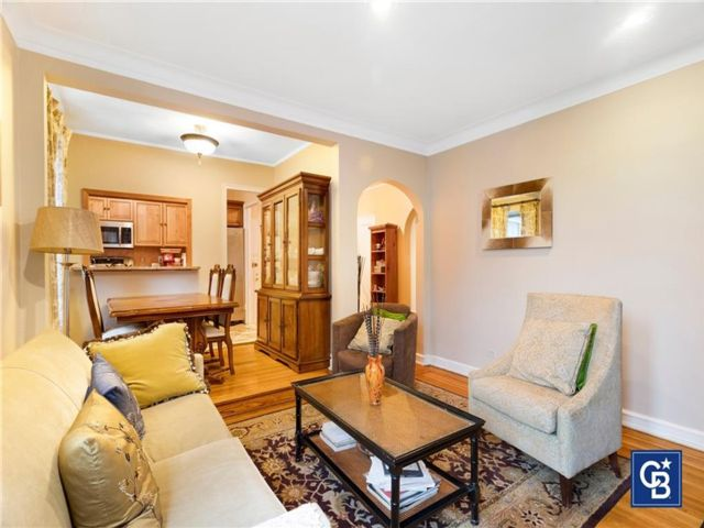 2 BR,  1.00 BTH Co-op style home in Highland Park