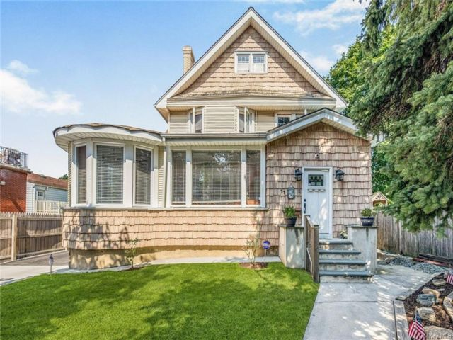 5 BR,  2.00 BTH Victorian style home in Yonkers