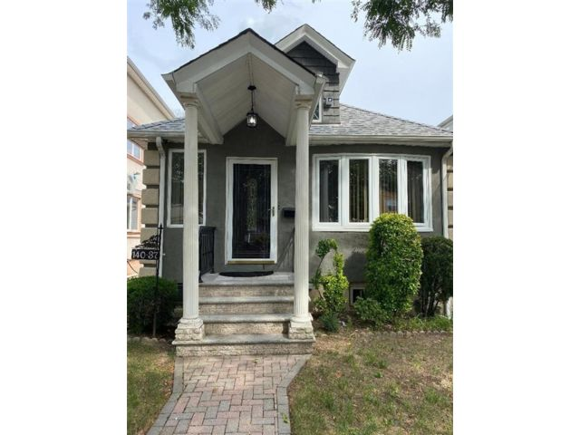 2 BR,  3.00 BTH Single family style home in Springfield Gardens
