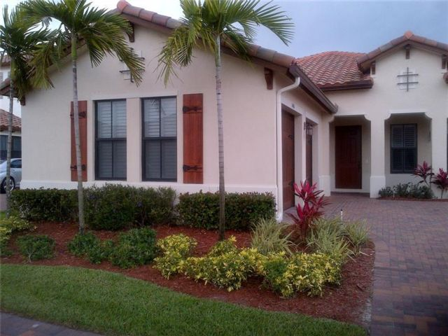4 BR,  3.00 BTH  style home in Cooper City
