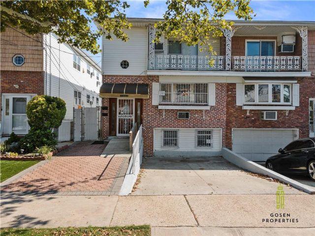 7 BR,  0.00 BTH Multi-family style home in Canarsie