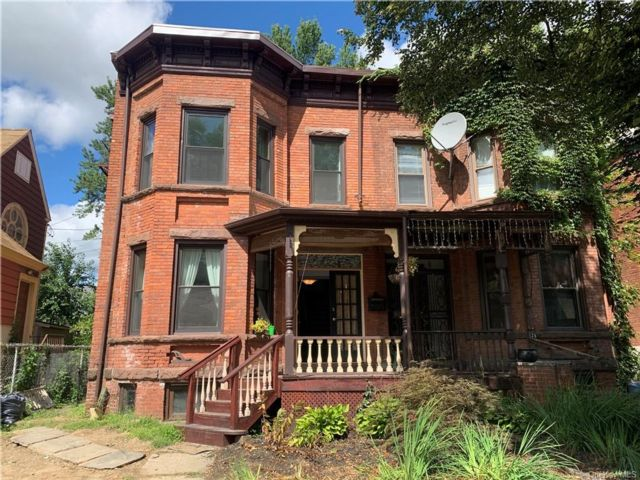 3 BR,  3.00 BTH Single family style home in Newburgh City