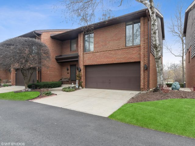 4 BR,  3.50 BTH Townhouse style home in Park Ridge
