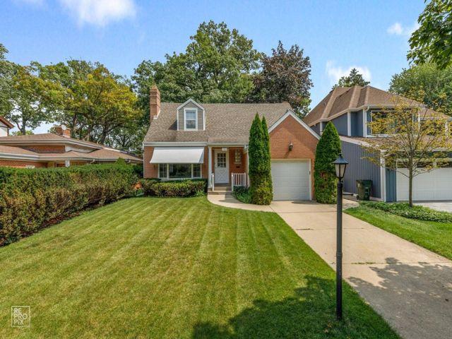 3 BR,  1.50 BTH Cape style home in Park Ridge