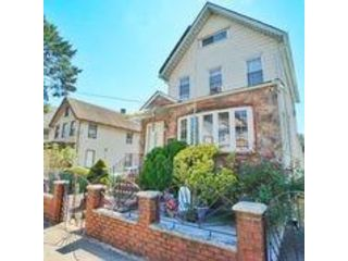 3 BR,  2.00 BTH Single family style home in Port Richmond