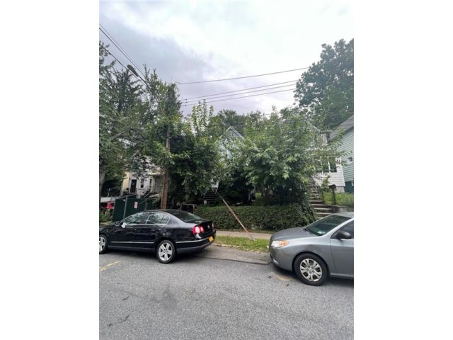 2 BR,  2.00 BTH Single family style home in West Brighton