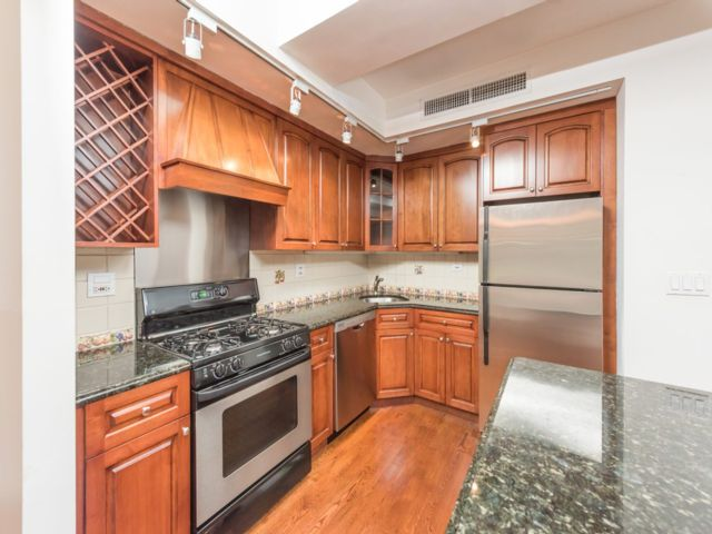 2 BR,  2.00 BTH Apartment style home in Murray Hill