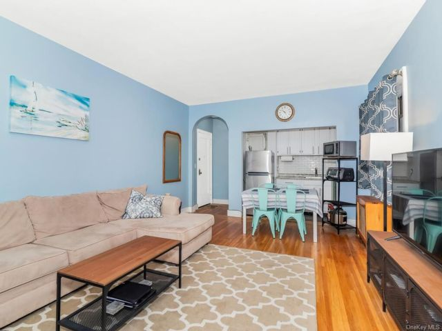 1 BR,  1.00 BTH House style home in Mount Vernon