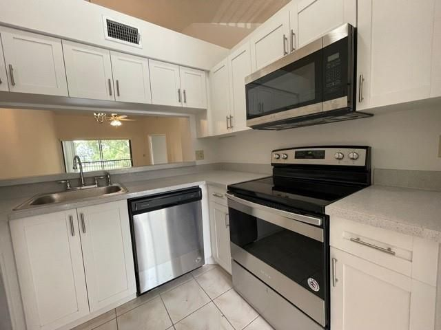 2 BR,  2.00 BTH  style home in Margate