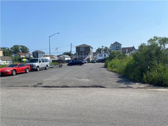 Lot <b>Size:</b> 45 x 106.26 Land style home in Howard Beach