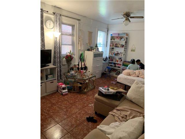 4 BR,  3.00 BTH Multi-family style home in Brighton Beach