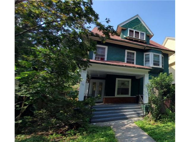 4 BR,  3.00 BTH Single family style home in Ditmas Park
