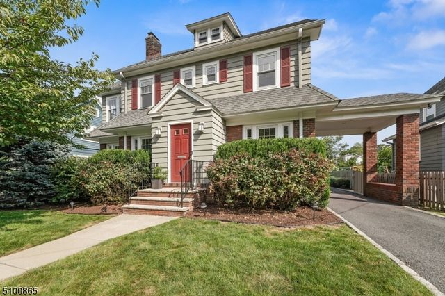 3 BR,  1.50 BTH Colonial style home in Montclair