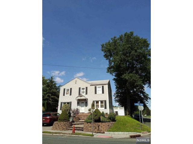 4 BR,  2.00 BTH Colonial style home in Teaneck
