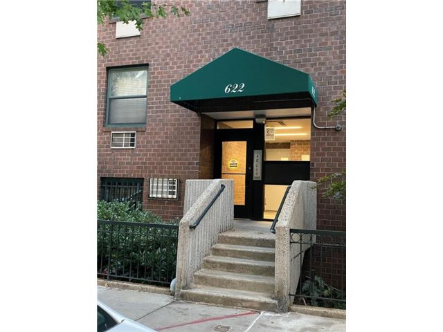 2 BR,  1.00 BTH Co-op style home in West Village