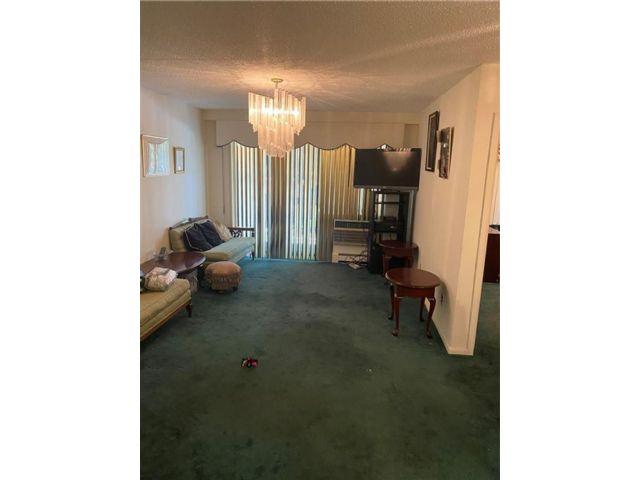 3 BR,  2.00 BTH Condominium style home in Fresh Meadows