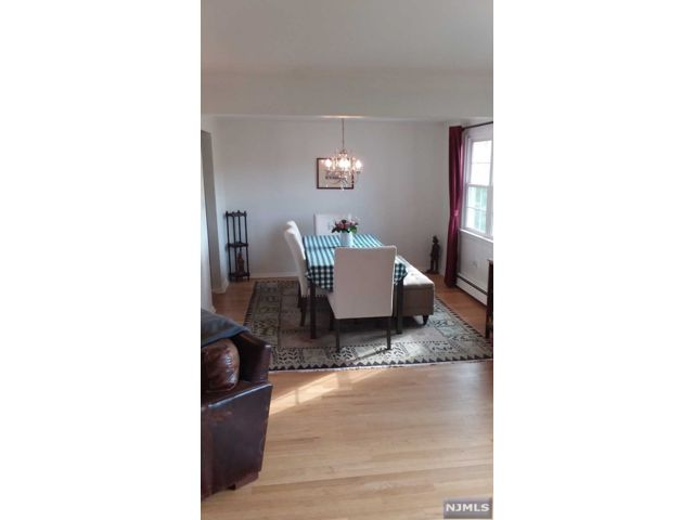 2 BR,  1.00 BTH 2 family style home in Fort Lee