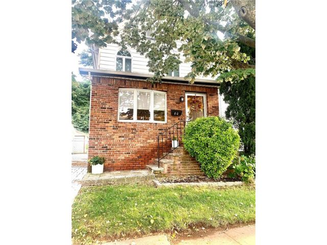 3 BR,  2.00 BTH Single family style home in Shore Acres
