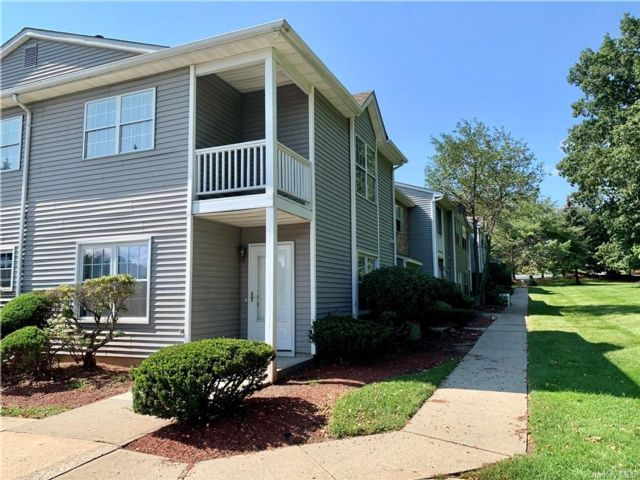 3 BR,  3.00 BTH Condo style home in Middletown
