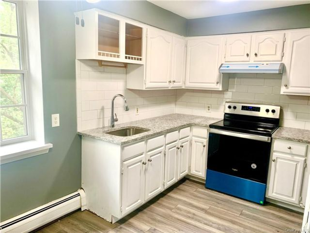 2 BR,  1.00 BTH Apartment style home in Blooming Grove
